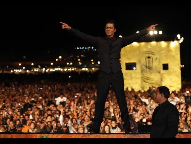 SRK at Bollywood Concert to Celebrate UAE National Day & Expo 2020 Win