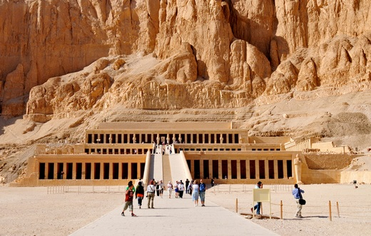 mortuary temple of hatshepsut deir-el-bahri egypt