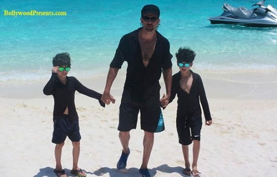 hrithik with sons hrehaan & hridhaan in maldives