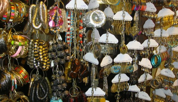 Shopping at Colaba causeway, Mumbai
