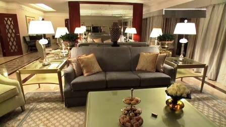 Shah Rukh Khan Royal Hotel Suite Abroad When Shooting for Films or On Tour