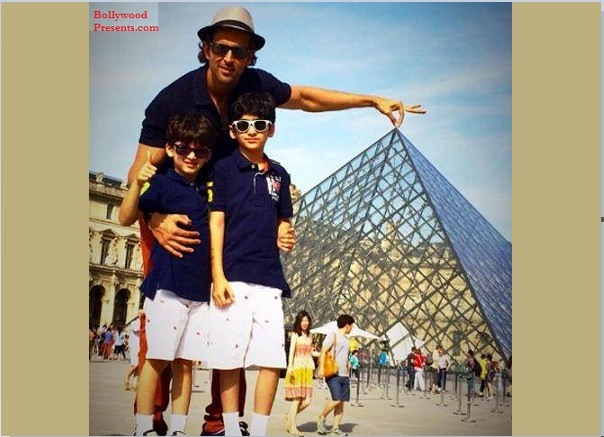 hrithik with sons at louvre museum, paris