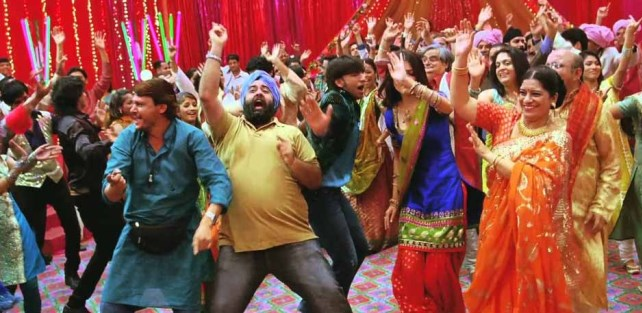 funny dancing moves on indian wedding dance floor